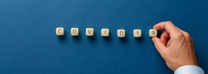 Bloques de letras que forman la palabra COVID 19